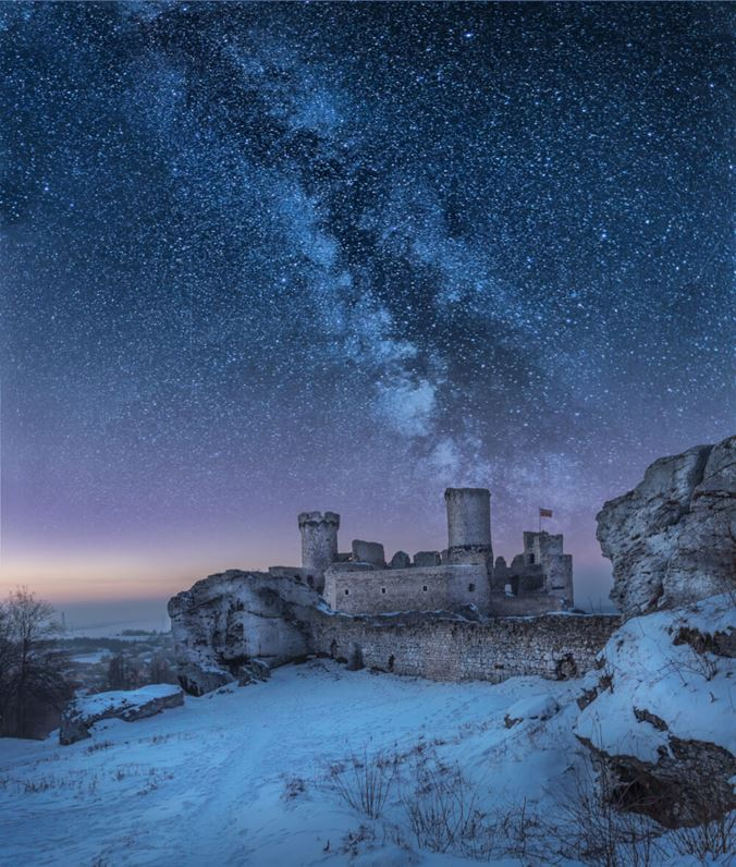 Zamek Ogrodzieniec nocą