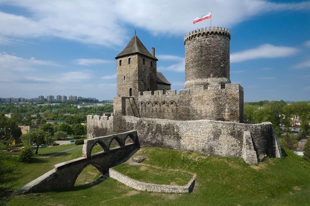 widok na zamek w będzinie