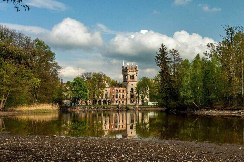 palac-w-kopicach-ciekawe-miejsca-w-polsce Kopice – pałac Kopciuszka Turystyka Zamki