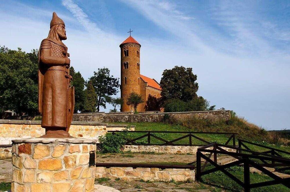 ciekawe-miejsca-w-polsce-kosciol-romanski Kościół św. Idziego Kościoły / Cerkwie