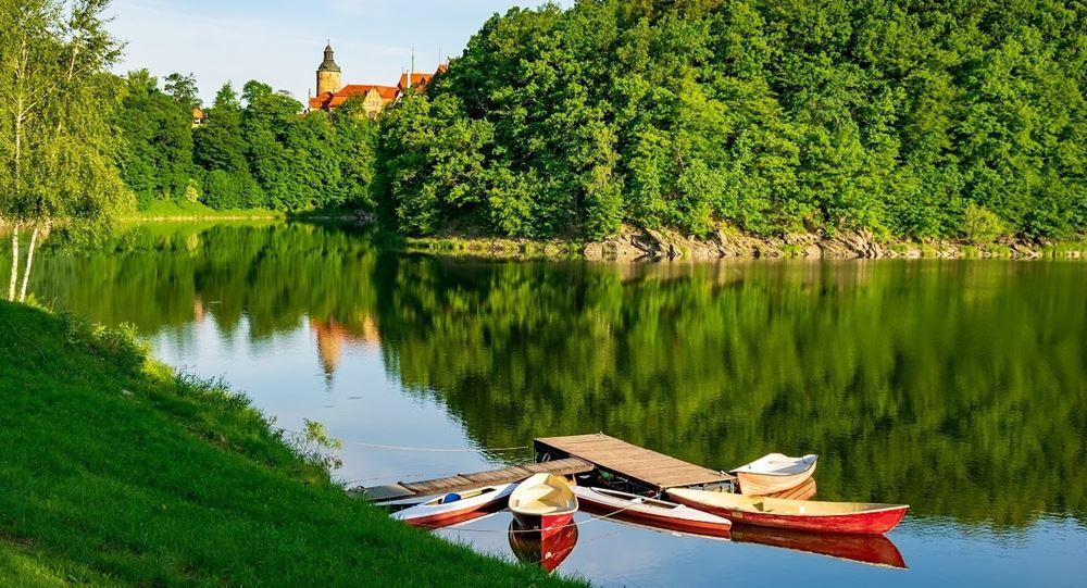 zamek czocha - jezioro