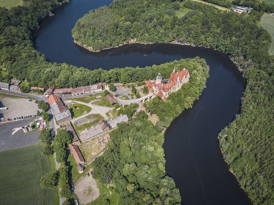 czocha zamek z góry - zwiedzanie zamku z przewodnikiem