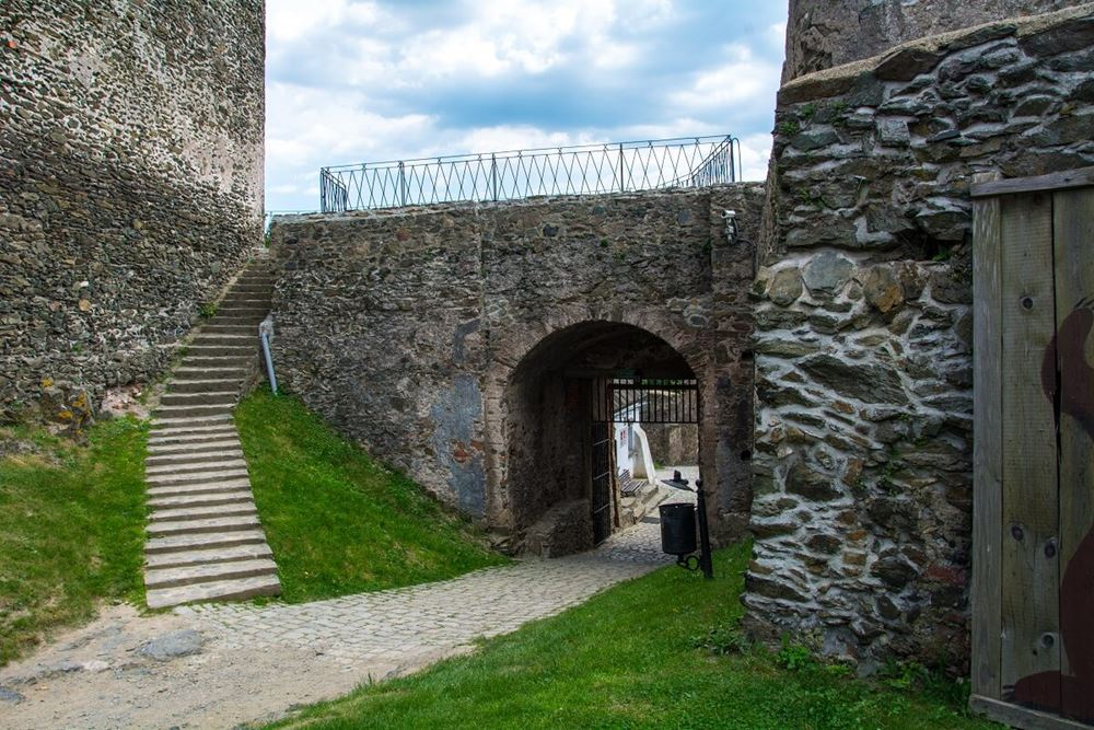 Zamek Bolków, pozycja obowiązkowa w Krainie Wygasłych Wulkanów.