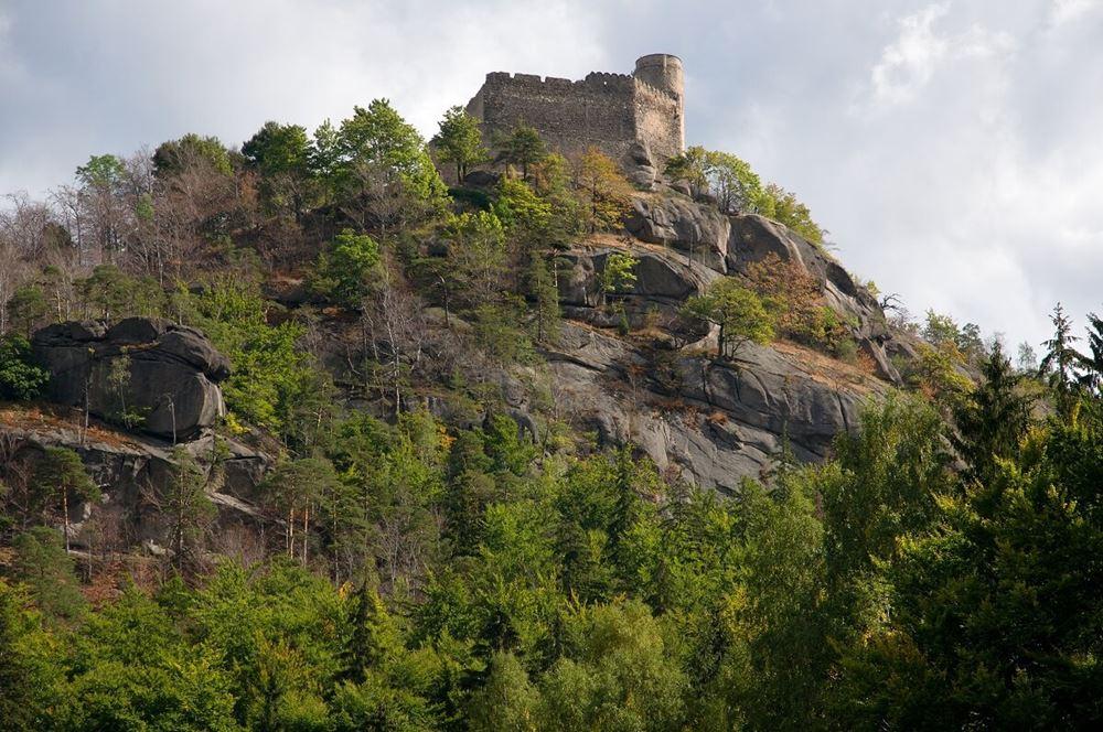 Położenie obiektu - zamek chojnik szlaki