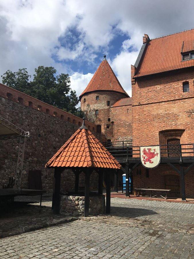 Zamek Bytów - studnia
