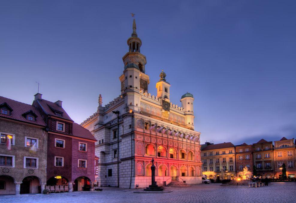 Koziołki Poznańskie na wieży ratuszowej to prawdziwy symbol Poznania.