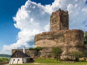 Zamek Bolków zachwyca o każdej porze roku.