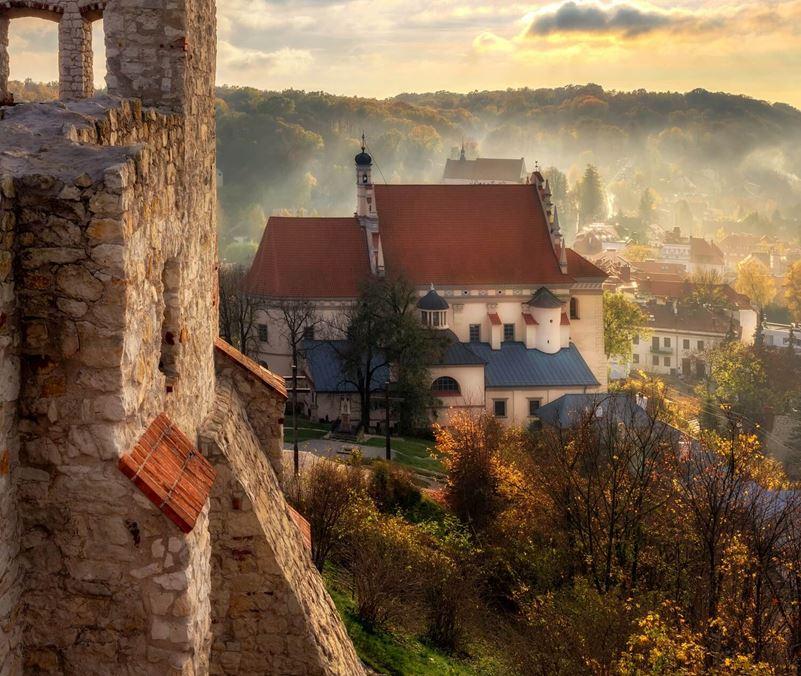 Kazimierz Dolny - Widok na Kościół widziany z zamku