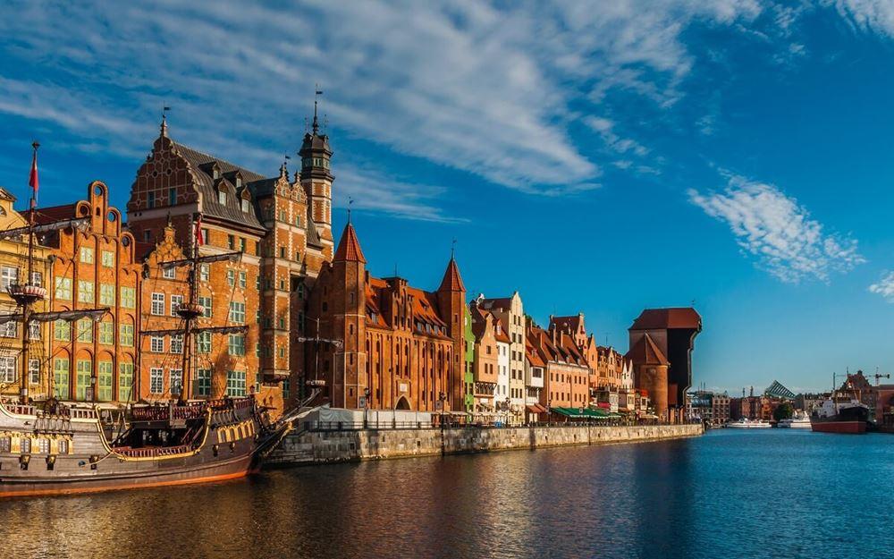 gdańsk atrakcje - długi targ - obiekty i miejsca, które trzeba zobaczyć.