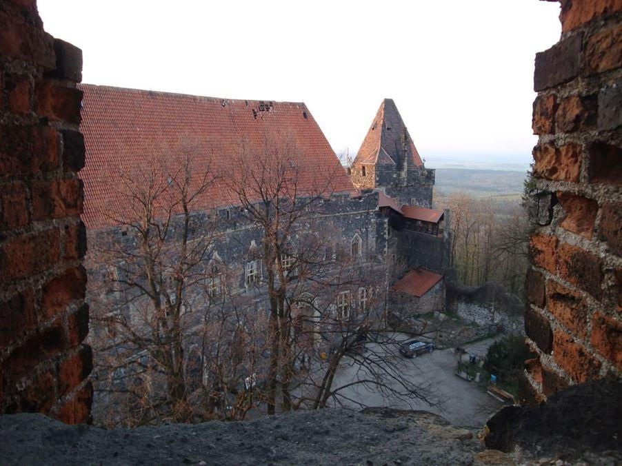 Zamek Grodziec - punkt obowiązkowy dla turystów - zwiedzanie zamku