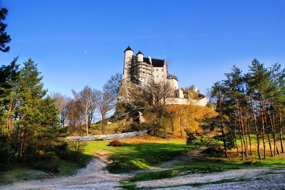 Zamek Bobolice widok z zewnątrz