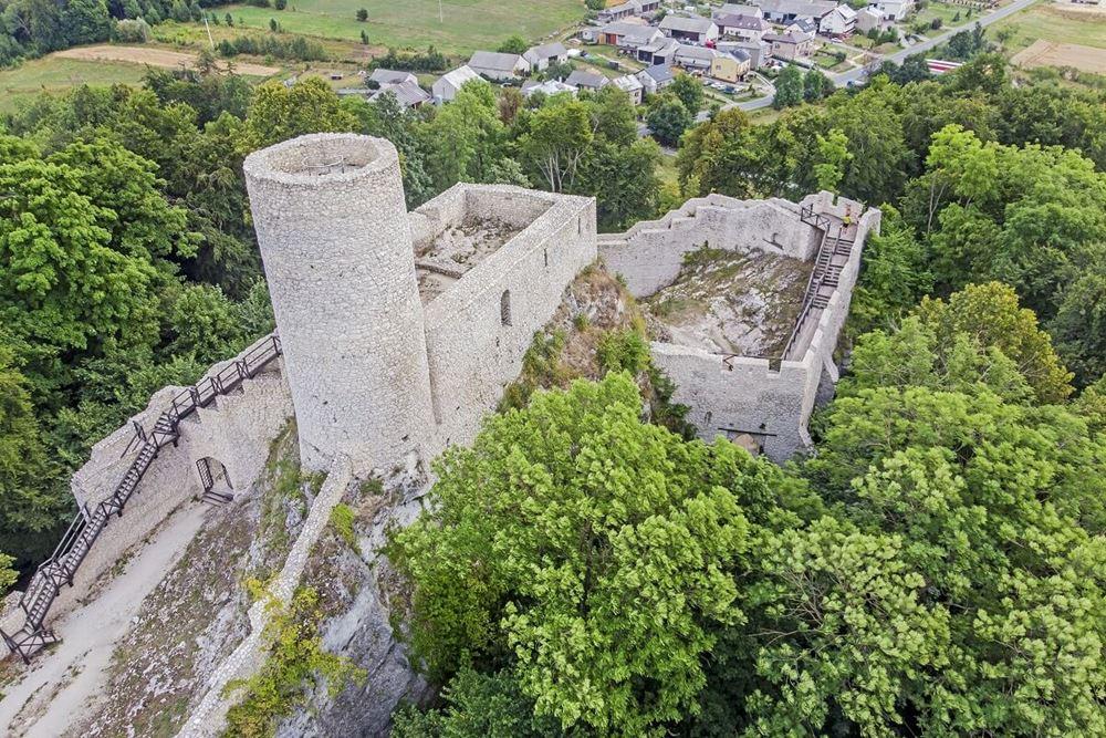 Zamek Smoleń z lotu ptaka