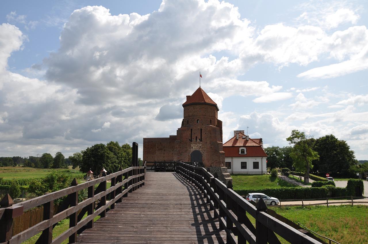 Zamek Liw - Zamki na Mazowszu