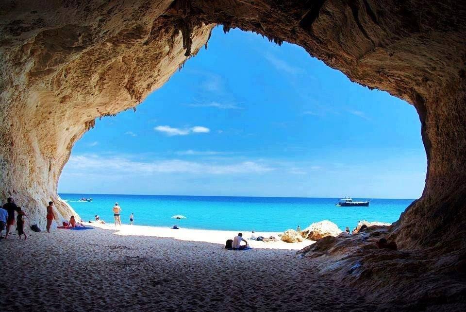 Cala Luna, księżycowa plaża Sardynii