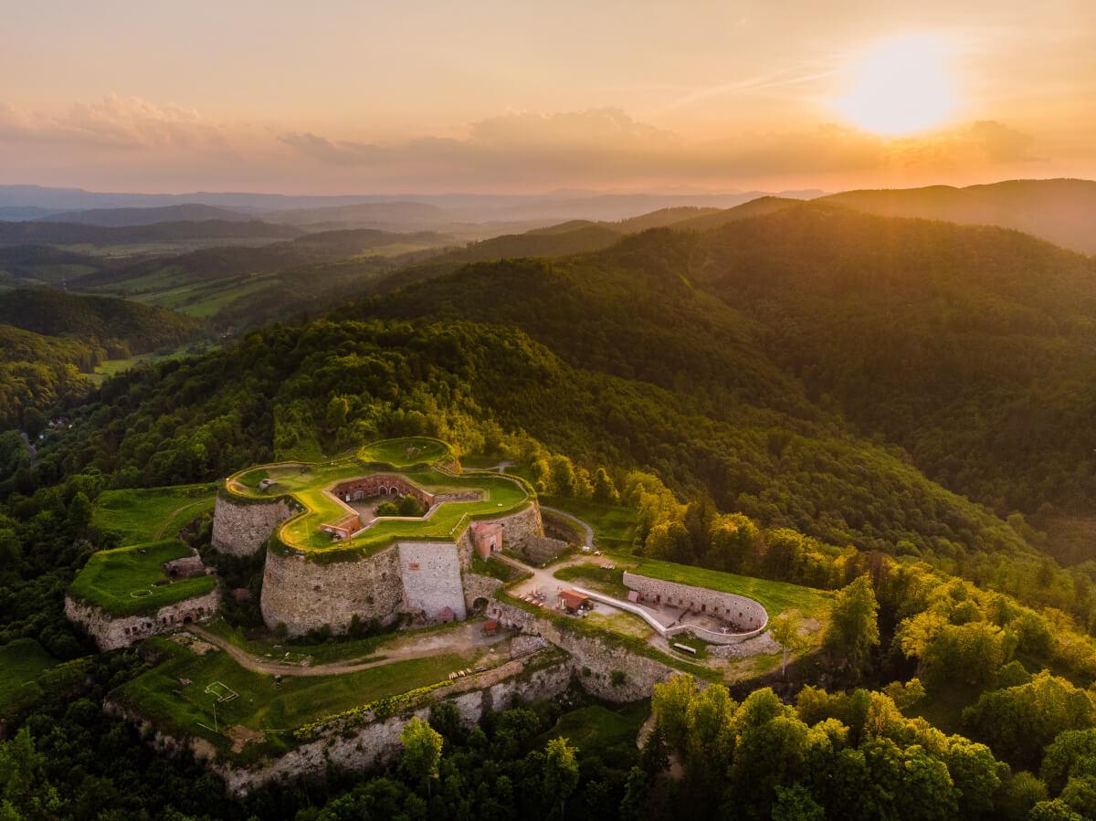 Twierdza Srebrna Góra i Fort Ostróg - Góry Sowie